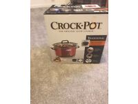 Crock Pot Slow Cooker - Brand new still in box