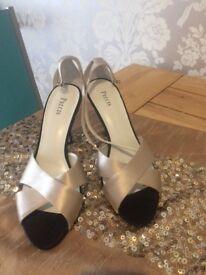 Precis sandals size 6