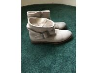 Superdry pixie boots(size 6)