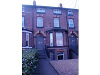 L13 - Great flat in a quiet well maintained building