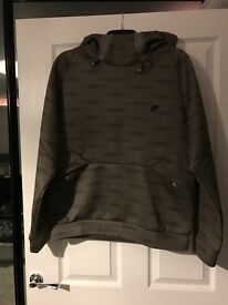 Nike mens hoody, excellent condition! Size M