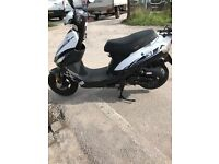 50cc scooter in very good condition it's 2015 got service history