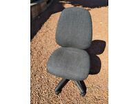 2x Graphite Dams Vantage 100 Office Chair