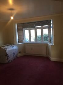 Double and single bedroom to rent in tooting area, from £120 a week with all bills included.