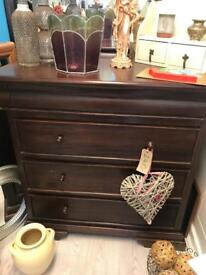 BARKER & STONEHOUSE chest of drawers