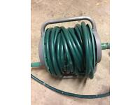 Retractable hose pipe