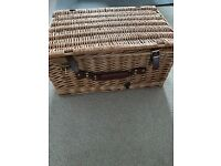 Wicker Humper basket