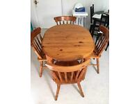 Extendable Table and 4 Chairs Pine