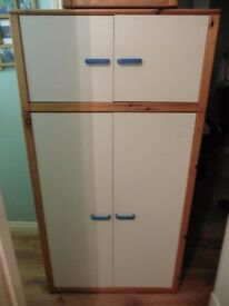 LOVELY CHILDS WARDROBE WITH STORAGE BOX AT TOP BARGAIN AT £40 BARGAIN