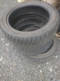 3 tyres with tred