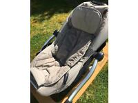 Concord Rio baby rocker in beige and walnut