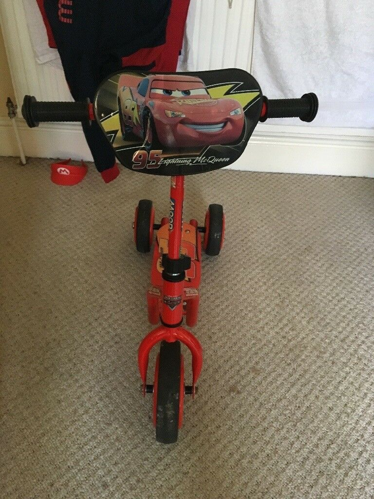 Cars 3 wheeler scooter