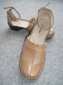 Ladies Shoes - Clarks.