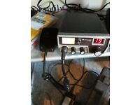 Midland 100m cb radio . With antena 40 ch
