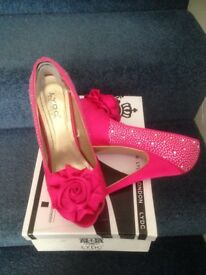 Prom shoes size 5