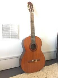 Yamaha C40 classical guitar with accessories