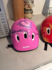 Size 49-52 Kids helmets brand new bought seperate or together