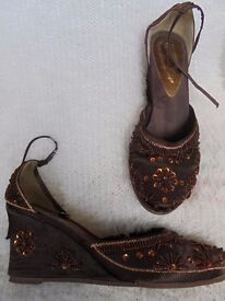 Size 6 - Brown - Satin wedges