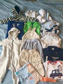 Baby boy clothes bundle - seize 3-6