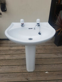 Bathroom/ensuite sink and pedestal with taps
