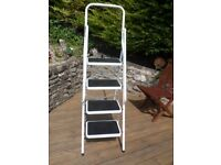 Substantial 4 Step Step ladder .... Sturdy and very good condition.
