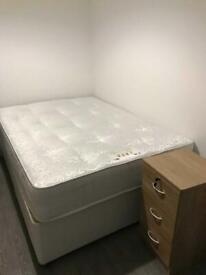 5 bedroom flat in Woodville Road, Cardiff, CF24 4DW