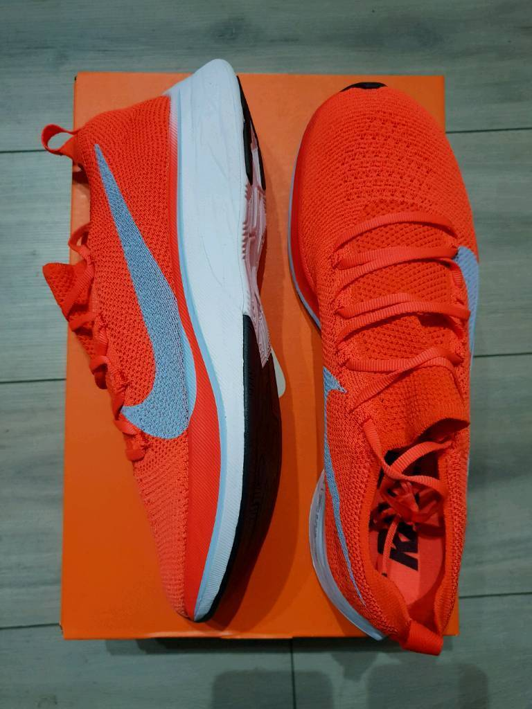 e8c1eed2448b Nike Zoom Vaporfly 4% Flyknit Bright Crimson (UK8.5-Euro43)
