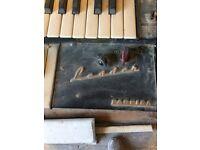 Leader Farfisa keyboard organ