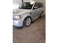 NICE RANGE ROVER SPORT 22 INCH WHEELS, CD PLAYER, SAT NAV, GREAT TO DRIVE.