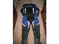 Spada 2 Piece Suit with Knee Pads