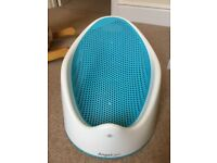 Angelcare soft touch bath support in turquoise - great for hands free bathing
