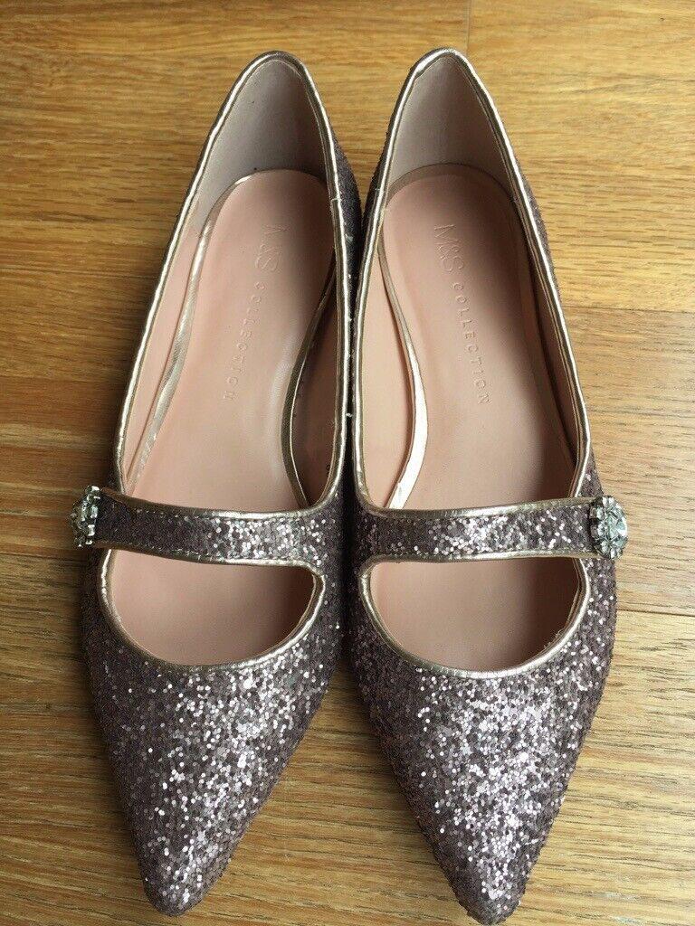 391e6063e491 M S NEW Flat Sparkly shoes.