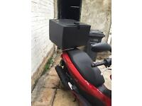 Honda pcx Dlivery box pizza box and rear rack