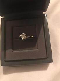 Beaverbrooks 9ct white gold ring