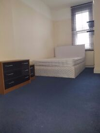 Cosy double rooms in a friendly flatshare in Acton Central.