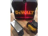 DEWALT DW088 laser level