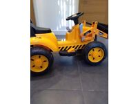 JCB Ride-on digger. Age 3 upwards. Battery operated.