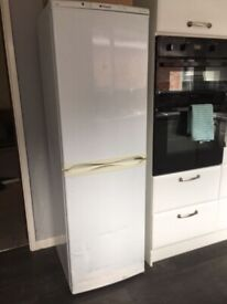 bosch white 6ft tall frost free fridge freezer+good working order+DELIVERY