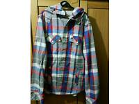 Voi jeans hooded shirt small mens