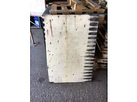 Free Plywood Ply Wood Pallets - Good sheet material!!!