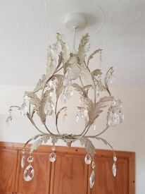 BEAUTIFUL CRISTALLO LIGHT FITTING CREAM/GOLD LEAF DESIGN WITH CRYSTALS