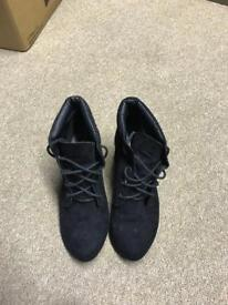 Black wedged ankle boots - size 5