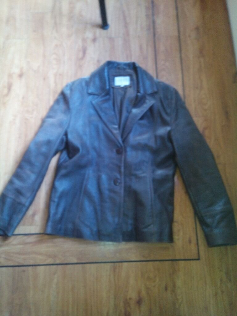 Ladies Brown Leather Jacket Size 14in Gatley, ManchesterGumtree - Ladies brown leather jacket size 14 with 3 buttons hardy worn. Jacket has a brown silk interior
