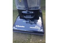 ELECTROLUX 1500W UPRIGHT VACUUM CLEANER