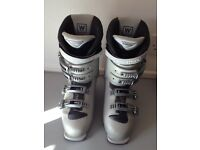 Ladies Salomon Performa 5.5 Ski Boots, size 26.5
