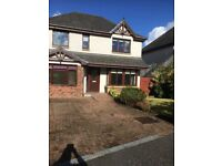 Rooms to let in a beautiful modern detached has near airport, Hospital great area,