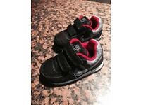 Baby boy nike shoes size 4,5 brand new
