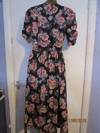 LAURA ASHLEY VINTAGE STYLE BLUE PATTERNED SHORT SLEEVED DRESS SIZE 10 party or wedding