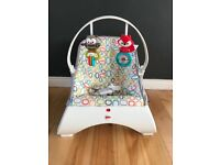 Fisher Price unisex Baby bouncer / seat / chair - excellent condition