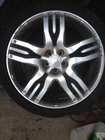 "Range Rover over finch 22"" wheels"